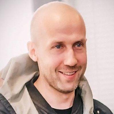 Максим Холин
