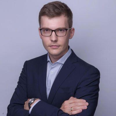 Дмитрий Курин